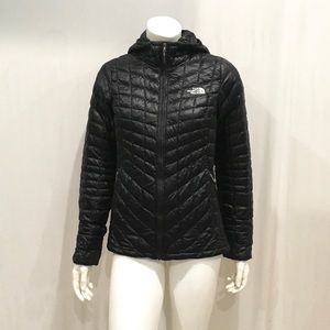 The North Face Womans Black Hooded Puffer Jacket